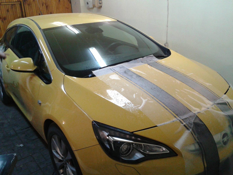 Нанесение полос на кузов автомобиля Opel Astra GTC