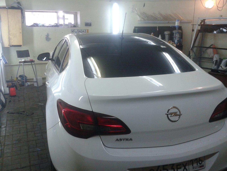 Тонировка автомобиля Opel Astra J — июль 2013