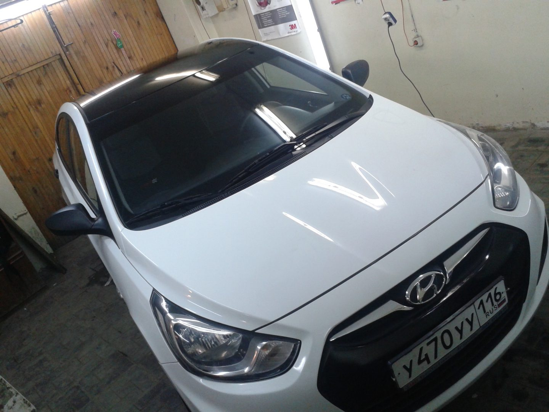 Hyundai Solaris — оклейка крыши и  переднего бампера авто черной глянцевой пленкой — 07.03.2014