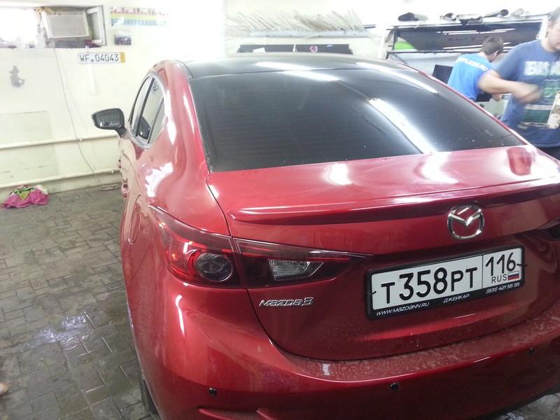 Mazda 3 — тонировка авто, оклейка крыши черной глянцевой пленкой — 09.06.2014
