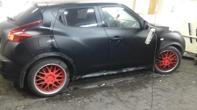 Nissan Juke — оклейка дверей авто пленкой черный мат — сентябрь 2014