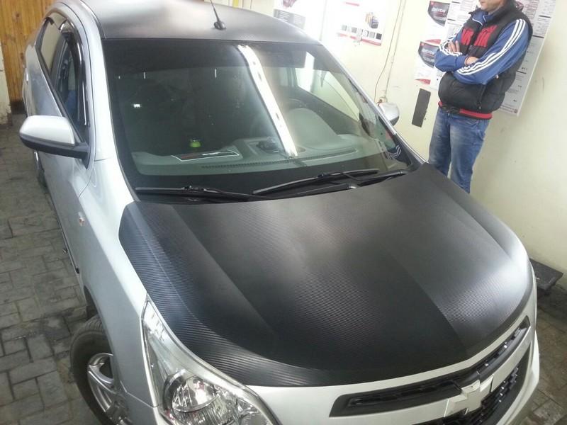 Chevrolet Cobalt — оклейка капота, крыши, багажника черным 3D карбоном —  08.10.2014