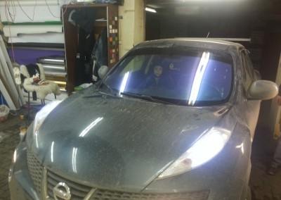 Nissan Juke — тонировка лобового стекла пленкой хамелеон — ноябрь 2014