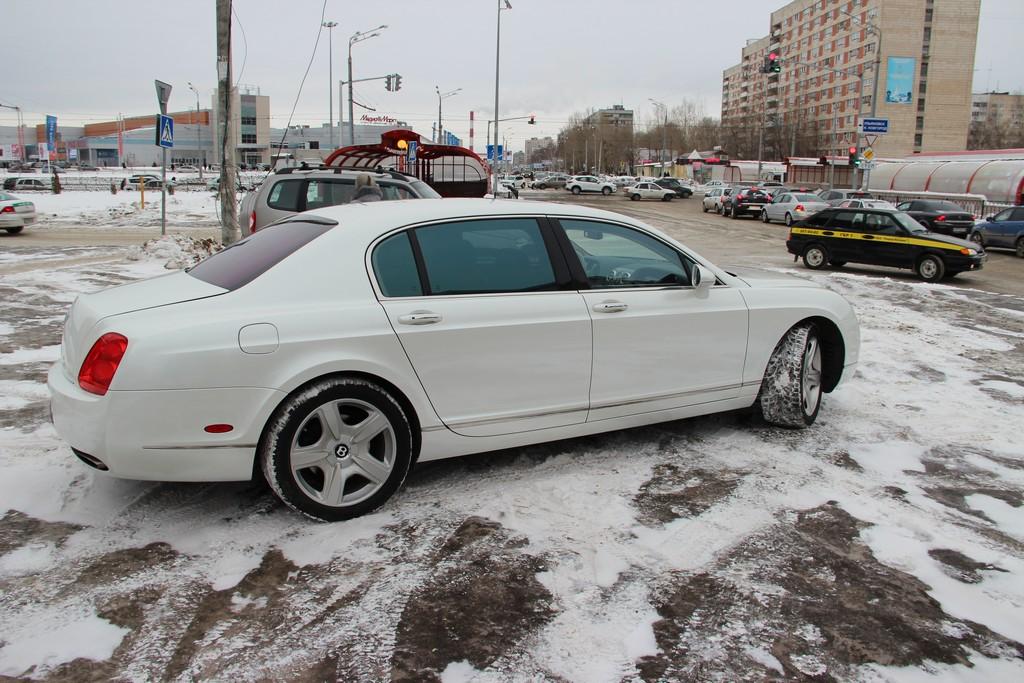 Bentley Continental — оклейка авто белой перламутровой пленкой, январь 2015