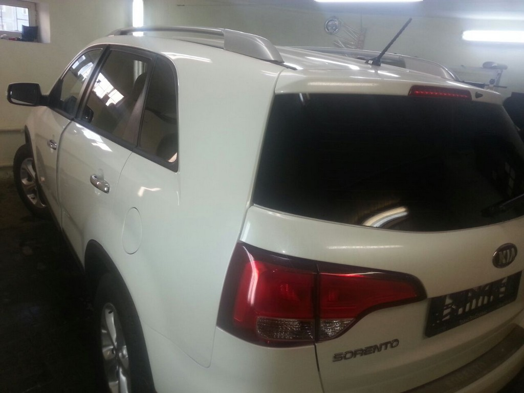 Kia Sorento — тонировка задней части авто — февраль 2015