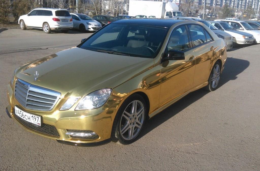 Mercedes-Benz E-class Е200 — оклейка авто премиальной пленкой золотой хром — апрель 2015