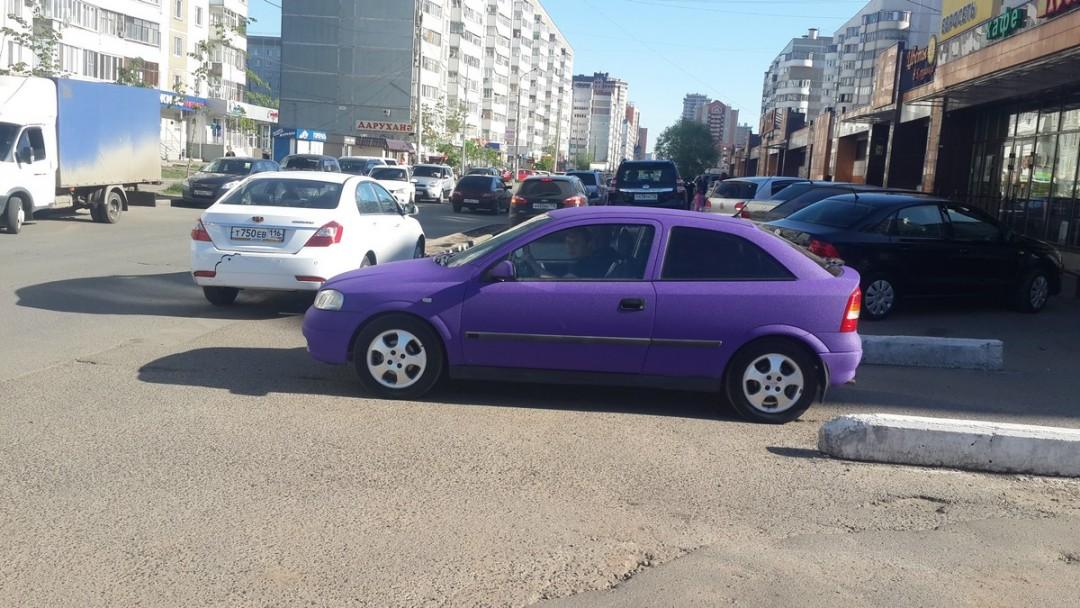 Opel Astra — оклейка пленкой фиолетовая алмазная крошка — май 2015