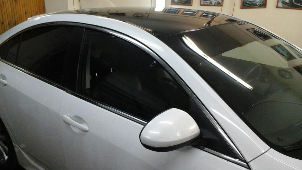 Mazda 6 — оклейка крыши пленкой премиум класса,тонировка передних стекол  — май 2015