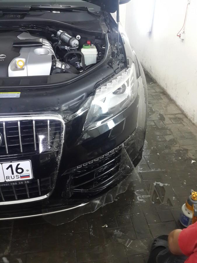 Audi Q7 — бронирование антигравийной полиуретановой пленкой капота, бампера