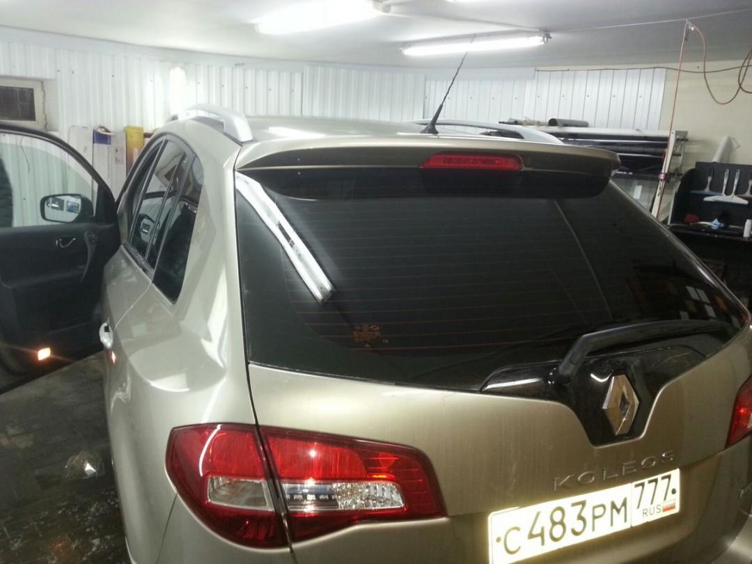 Renault Koleos — тонировка задней части авто