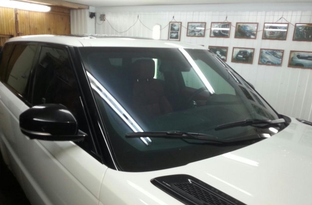 Range Rover Sport — тонировка лобового и боковых стекол атермальной пленкой 3М Кристалайн CR70