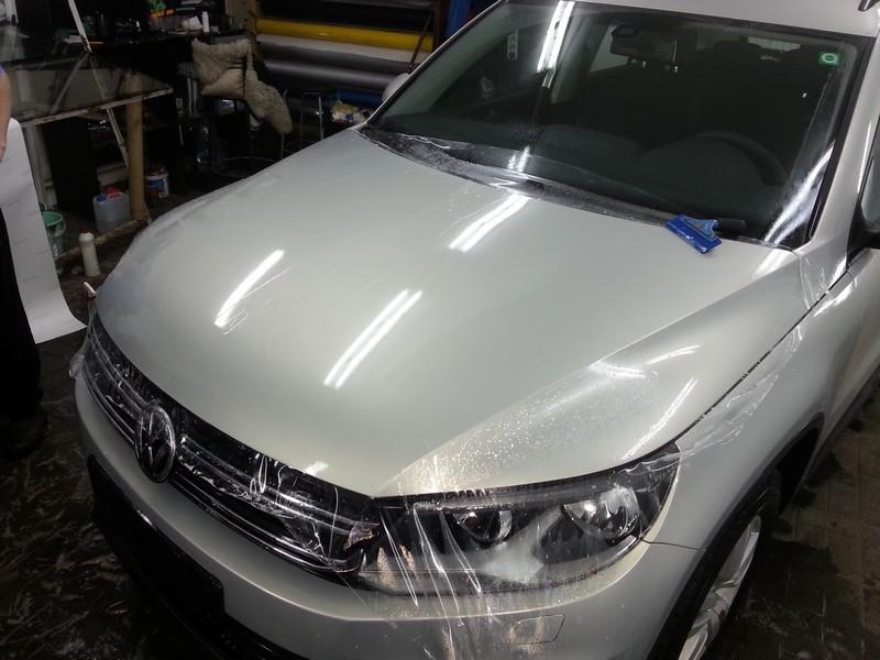 VW Tiguan — бронирвание антигравийнй пленкой капота, бампера, крыльев