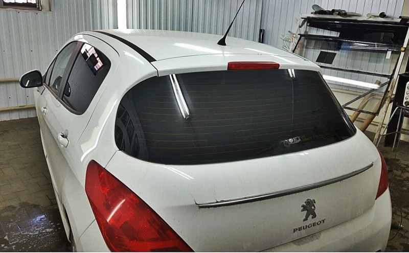Тонировка по ГОСТУ автомобиля в Казани — Peugeot 308