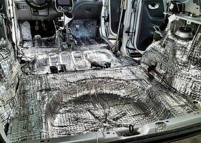 Вибро-шумо-изоляция всего салона автомобиля Renault Kaptur