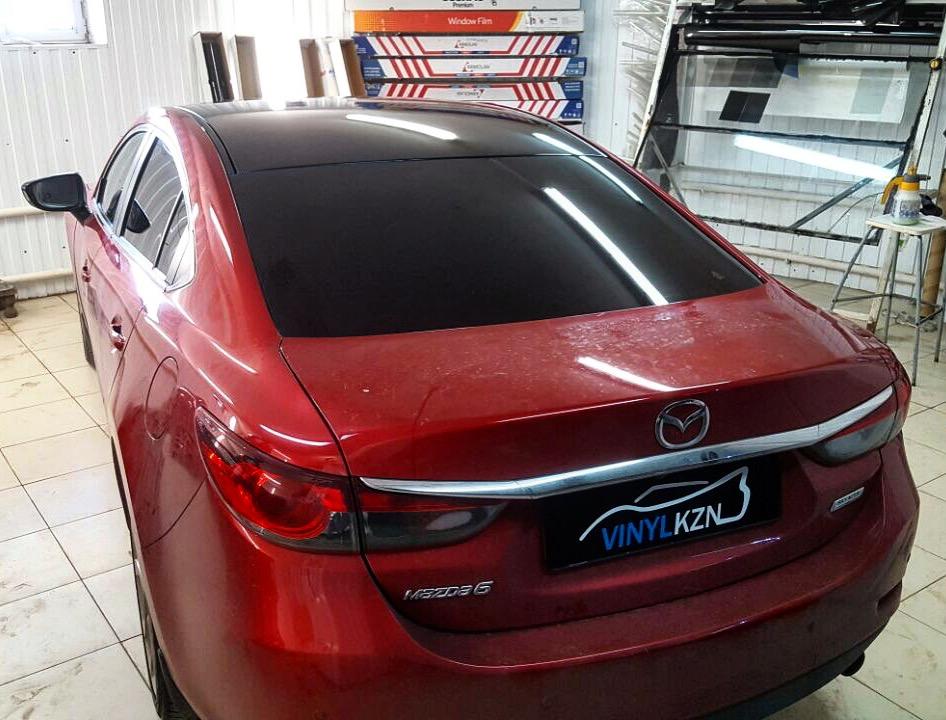 Оклейка крыши черной глянцевой пленкой премиум класса Mazda 6