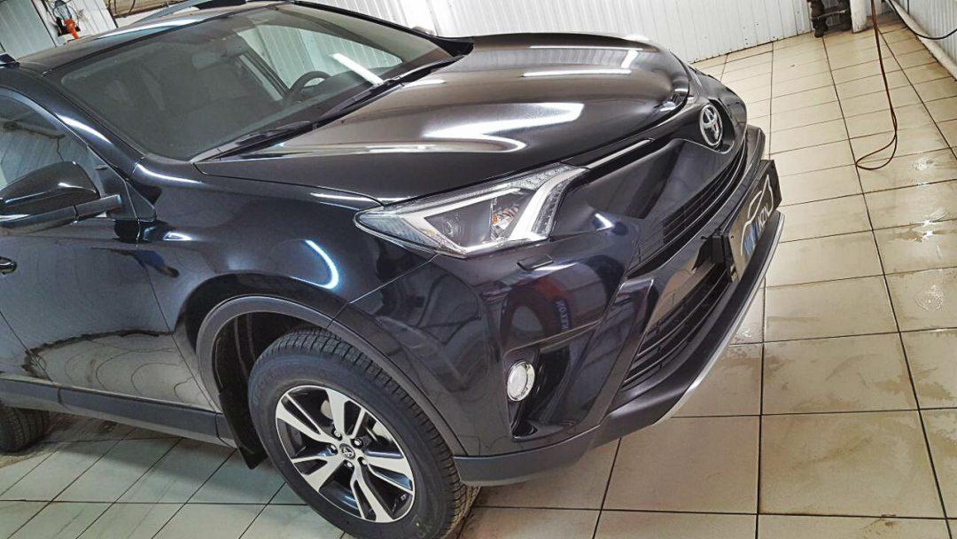 Комплексное бронирование кузова антигравийной пленкой — Toyota RAV 4