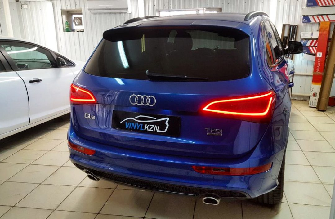 Тонировка пленкой Llumar стекол автомобиля Audi Q5