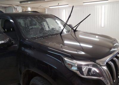 Бронирование лобового стекла автомобиля Toyota Land Cruiser Prado