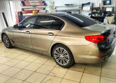 Тонировка пленкой Llumar 95% задней части и передней части 30% пленкой  — BMW 5