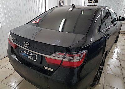 Тонировка задней части авто плёнкой Johnson — Toyota Camry