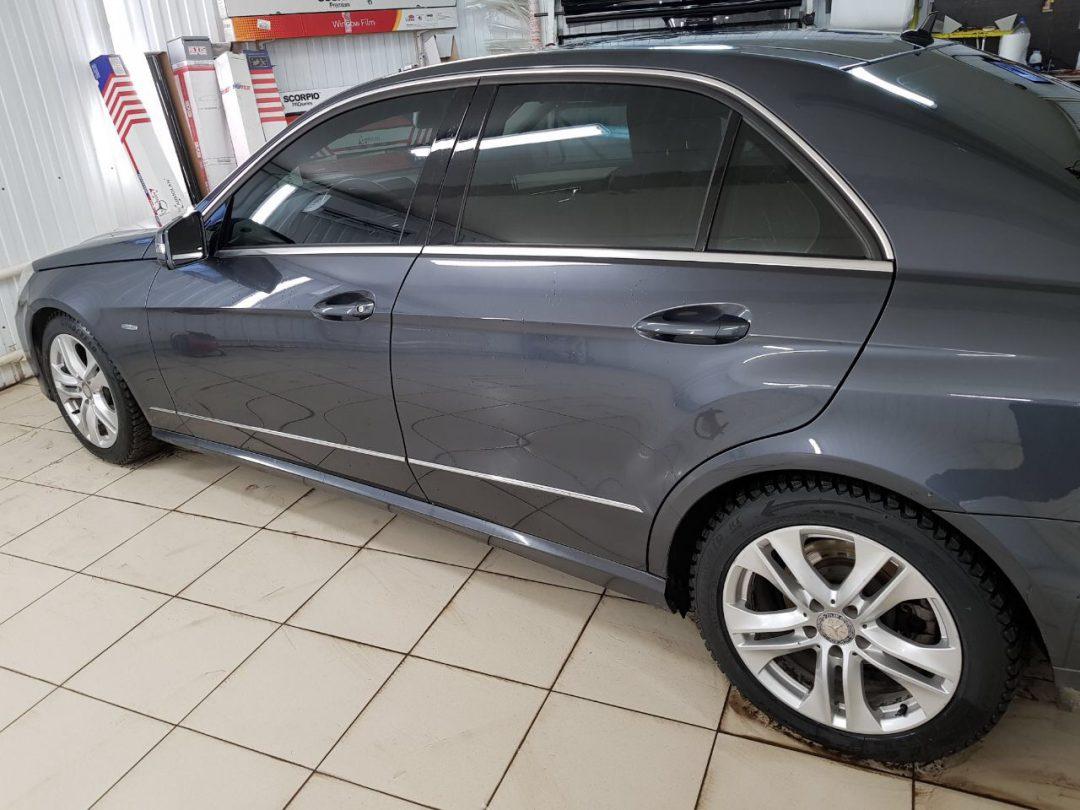 Тонировка 65% в круг без лобового стекла — Mercedes E klass