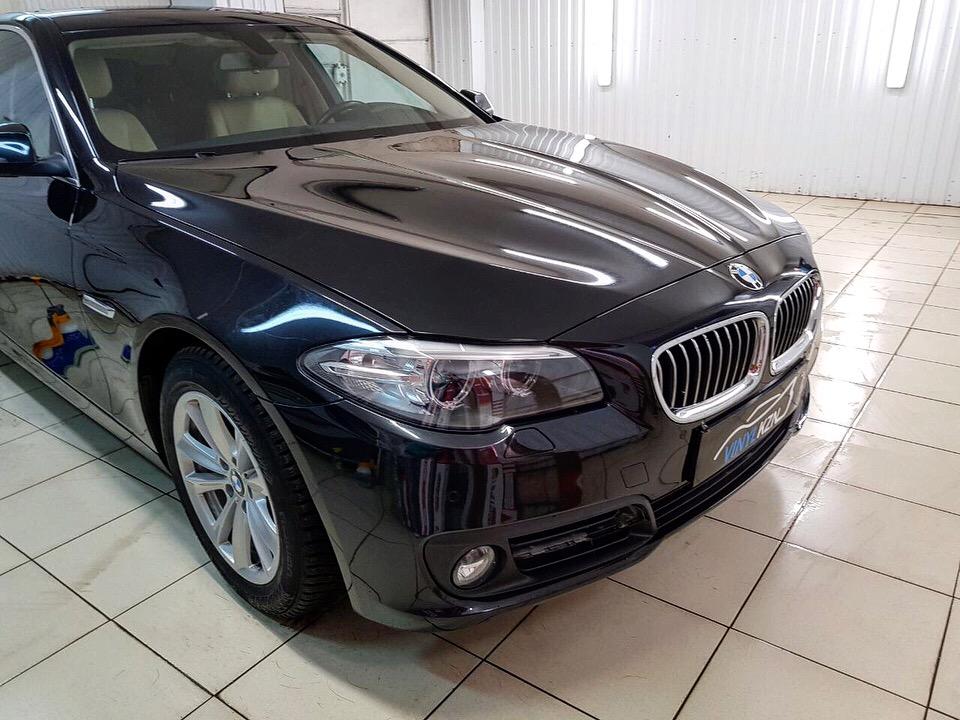 Бронирование антигравийной пленкой передней части автомобиля BMW 5 серии