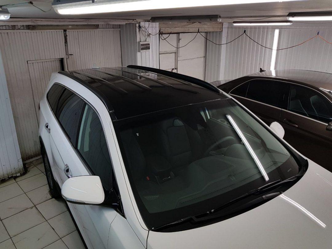 Оклейка крыши чёрной глянцевой пленкой KPMF — Hyundai Santa Fe