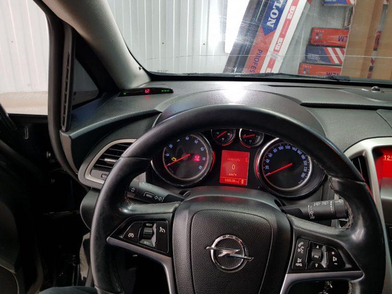 Установка парктроников на автомобиль Opel Astra