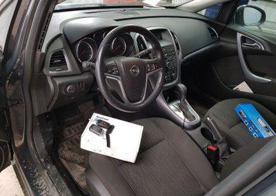 Сертифицированная установка сигнализации StarLine A93, установка камеры заднего вида — Opel Astra J