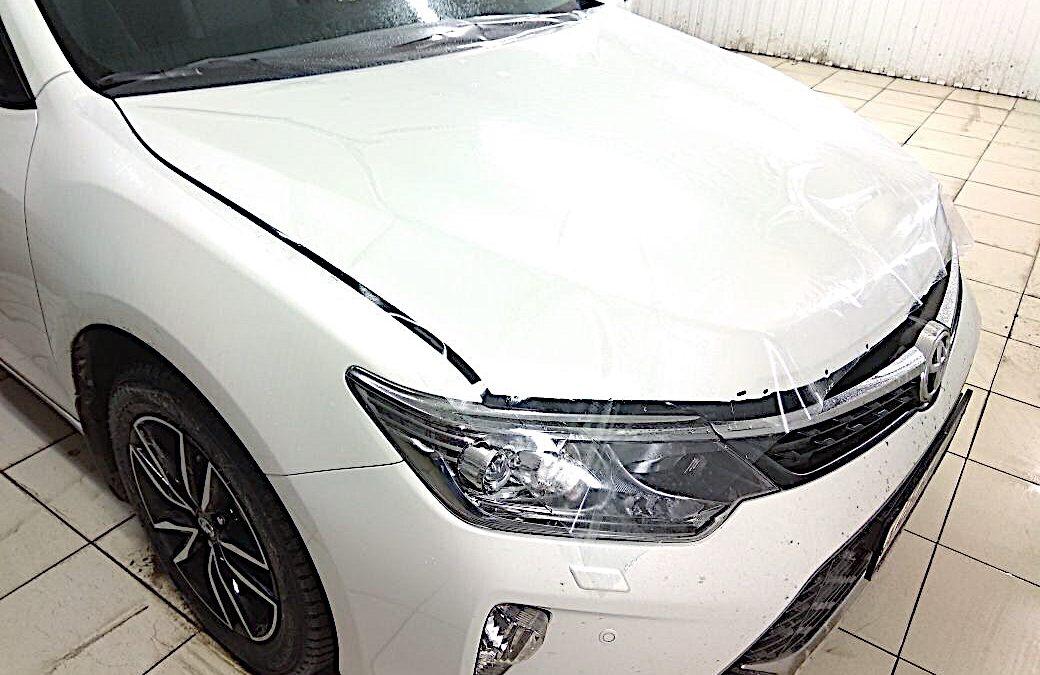 Комплексное бронирование антигравийной плёнкой и тонировка пленкой Llumar 95% задней части авто Toyota Camry