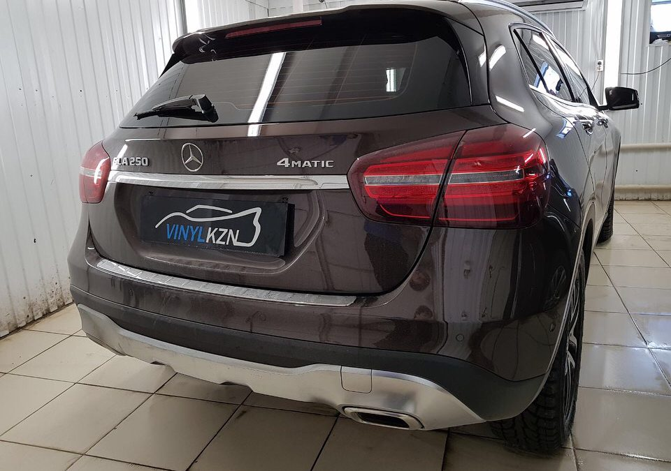 Тонировка пленкой Ultra Vision Supreme (Thermo) HP задней части авто Mercedes GLA