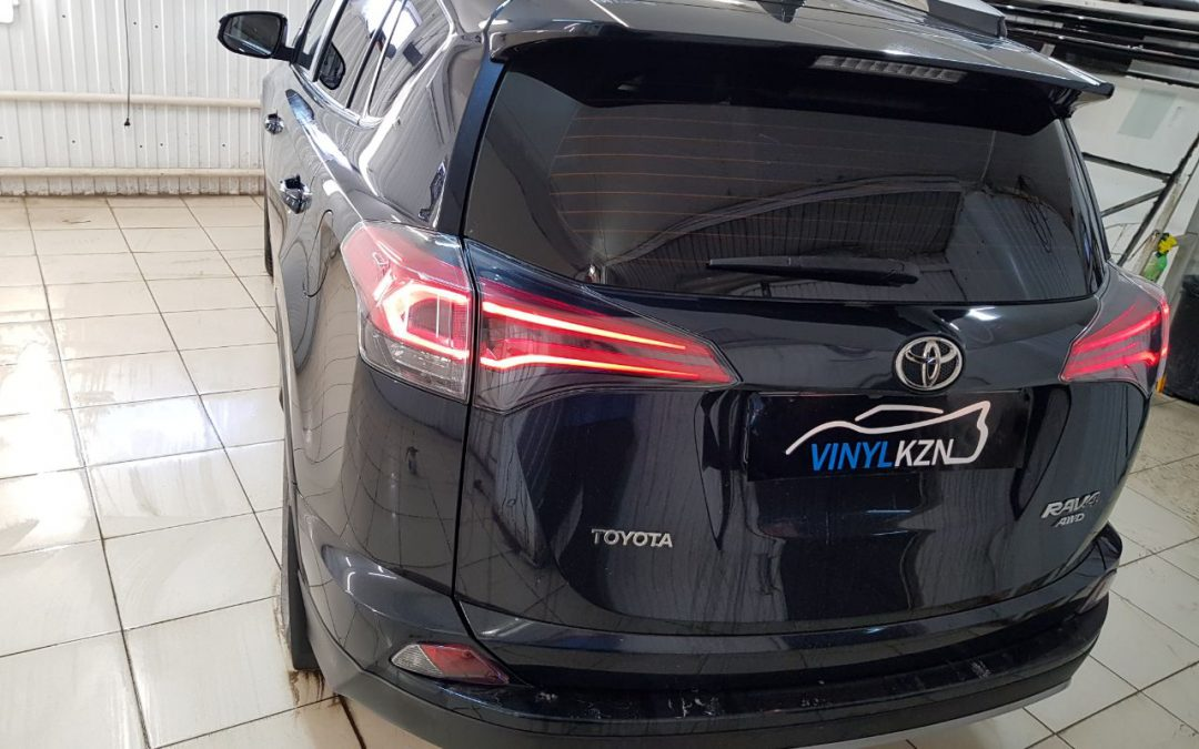 Тонировка пленкой Ultra Vision Supreme (Thermo) HP 05% — Toyota RAV 4