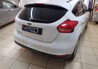 Бронирование бампера антигравийной пленкой и тонировка стекол — Llumar Ford Focus
