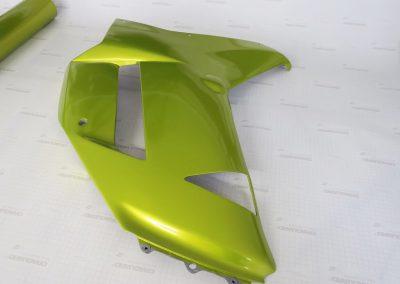 Оклеили декоративный пластик от байка пленкой Arlon CWC-855 Electric Lime