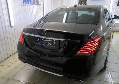 Тонировка авто атермальной пленкой Ultra Vision Sun Protection Blu Cold, замена подсветки ручек всех дверей с полным её разбором — Mercedes S-class W222