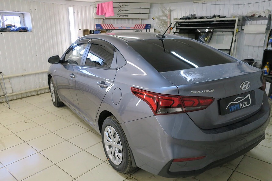 Тонировка задней полусферы пленкой Ultra Vision Supreme (Thermo) — Hyundai SOLARIS
