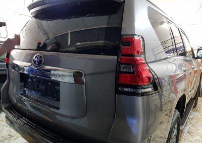 Бронирование антигравийной плёнкой Hexis Bodyfence и тонировка пленкой Llumar 95% — Toyota Land Cruiser Prado