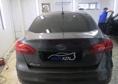 Тонировка пленкой Llumar 95% задней части Ford Focus