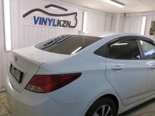 Тонировка пленкой Llumar 95% задней части — Hyundai Solaris