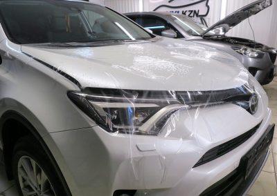 Бронирование капота антигравийной плёнкой Hexis Bodyfence — Toyota Rav4