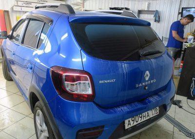 Тонировка с переходом цвета в синий — Renault SANDERO