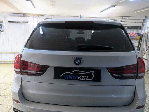 Тонировка пленкой Johnson 95% задней части BMW X5