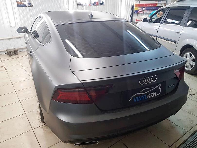 Оклейка всего кузова авто прозрачной матовой пленкой KPMF — Audi A7