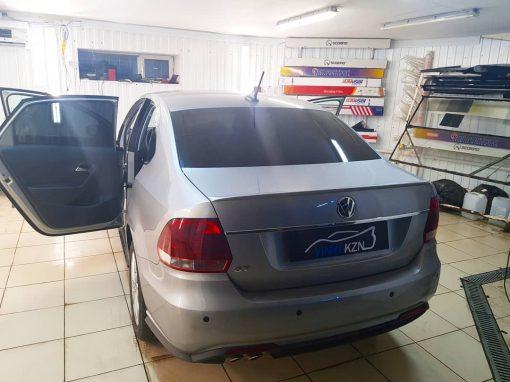 Тонирование задней части Volkswagen Polo GT 95% пленкой UltraVision