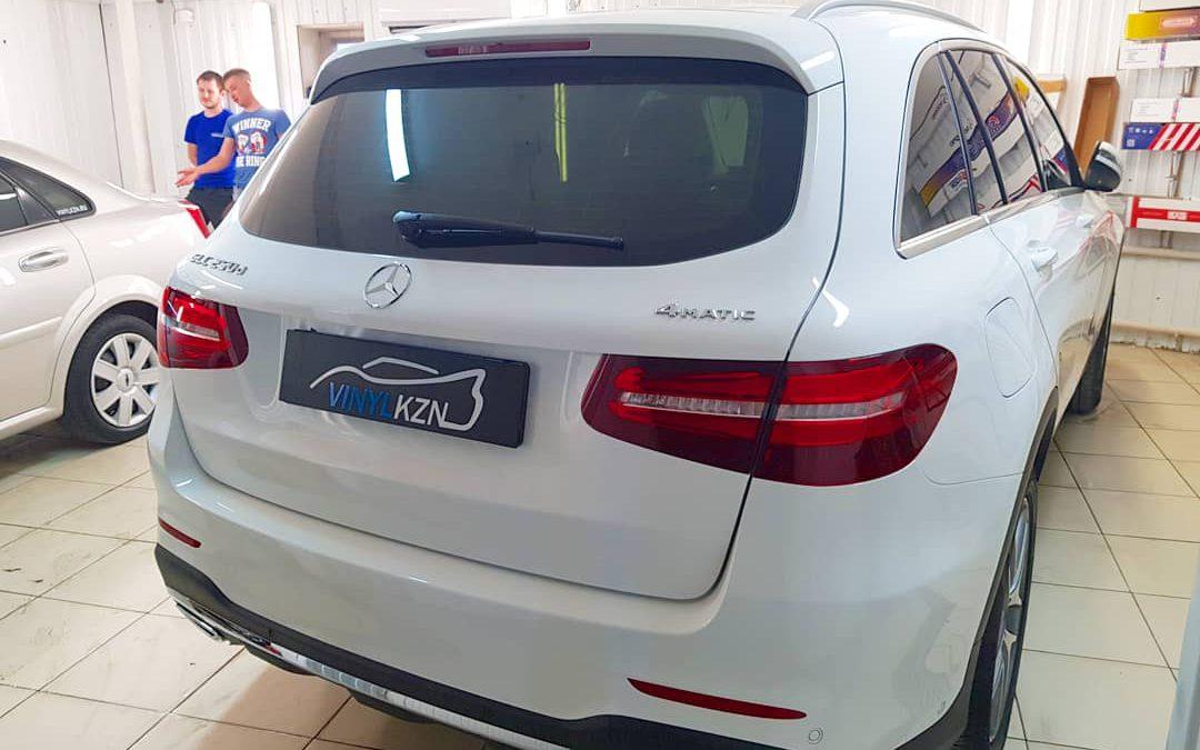 Тонирование пленкой премиум класса LLumar с затемнение в 95% — Mercedes GLC