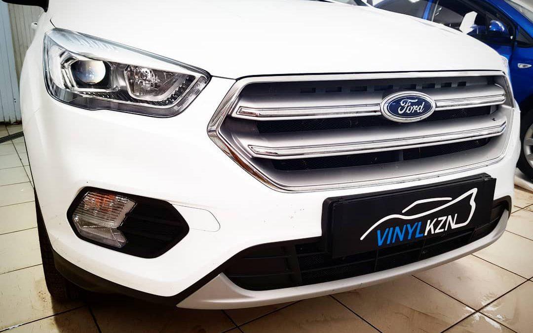 Бронирование капота и фар полиуретановой пленкой от французского производителя Hexis Bodyfance — Ford Kuga