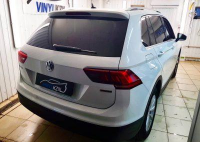 Бронирование капота и тонировка задней части пленкой LLUMAR — VW Tiguan