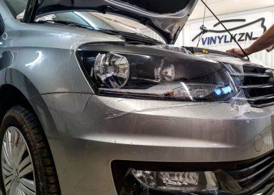 Бронирование фар полиуретановой пленкой — VW Polo