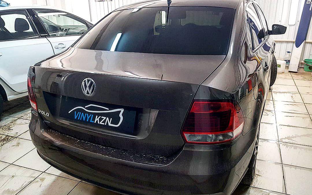 Сочетание оттенка Llumar и кузова автомобиля великолепно! Тонирование стекол премиальной пленкой LLUMAR — VW Polo