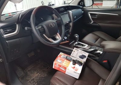 Установили сигнализацию с обратной связью Starline A93 с GSM модулем для управления с телефона — Toyota Fortuner